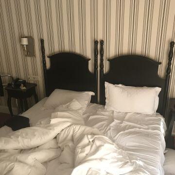 Hotel Apvalaus Stalo Klubas