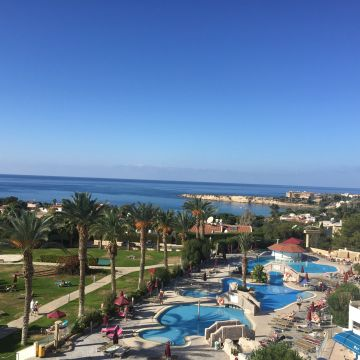 Hotel Crown Resort Horizon