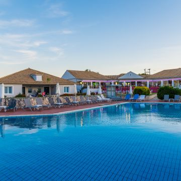 Hotel Keri Village