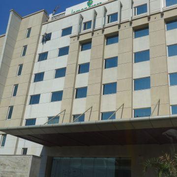 Hotel Lemon Tree Premier, Delhi Aerocity
