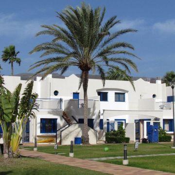 FAMILY LIFE Playa Feliz Apartments