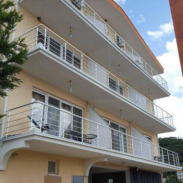 Kapriz Apartments