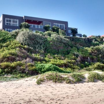The Dune Guest Lodge