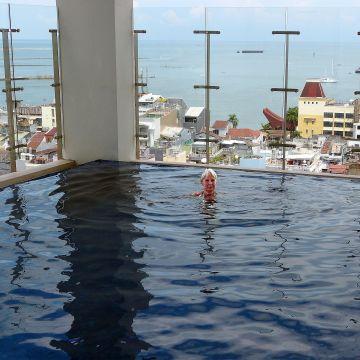 Hotel Aston Makassar