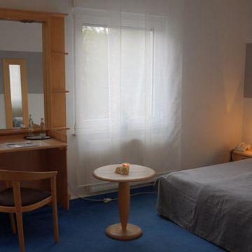 Village Stadthotel