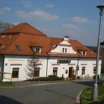 Zámecký hotel / Schlosshotel