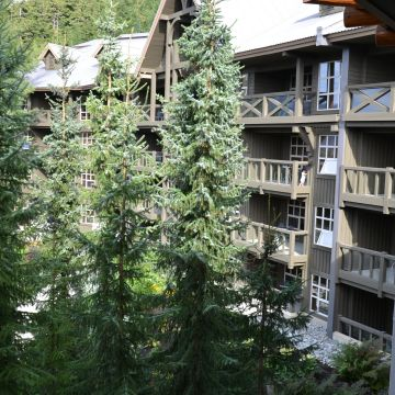 Hotel Coast Blackcomb Suites