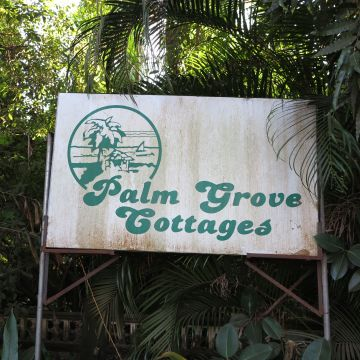 Hotel Palm Grove Cottages