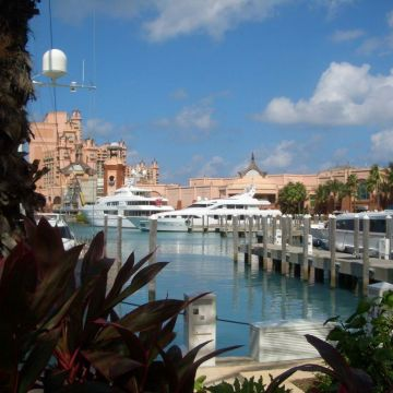Hotel Harborside Resort at Atlantis