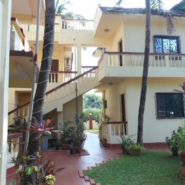 Shanu Holiday Home