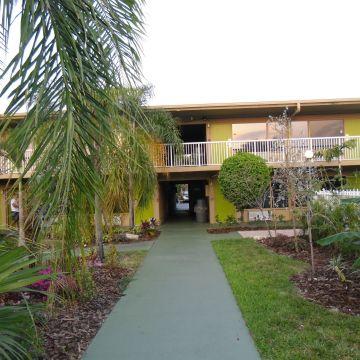 Hotel Rodeway Inn & Suites Airport / Cruise Port