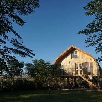 Chalets Lake Shkodra Resort