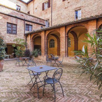Hotels mit Balkon/Terrasse Siena • Die besten Siena Hotels ...