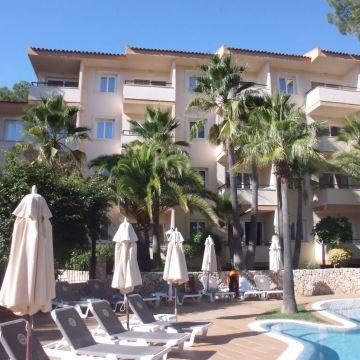 Valentin Paguera Hotel & Apartments
