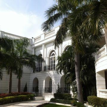 Hotel Vivanta by Taj - Gomti Nagar