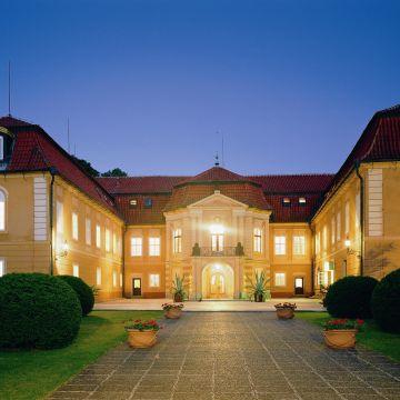 Hotel-Chateau Stirin