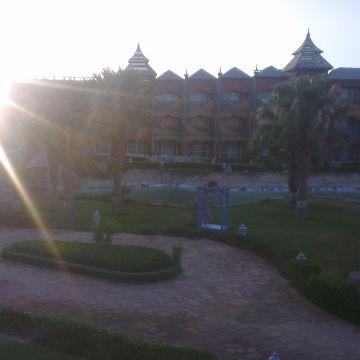 Dreams Beach Resort Al Qusair