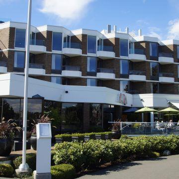 Hotel Laurel Point