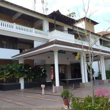Hotel Vasundhara Sarovar Premiere