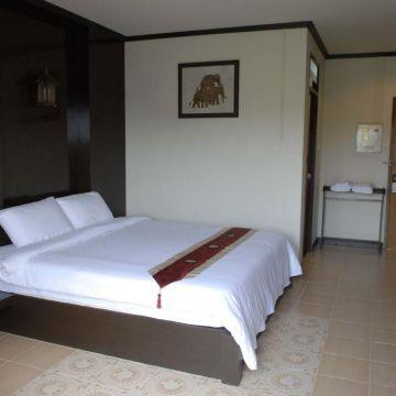 Hotel Lanta Thip House