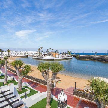 Hotel Sands Beach Resort