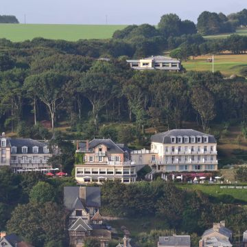 Hotel Le Dormy House