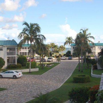 Hotel Sanibel Arms West Condominiums