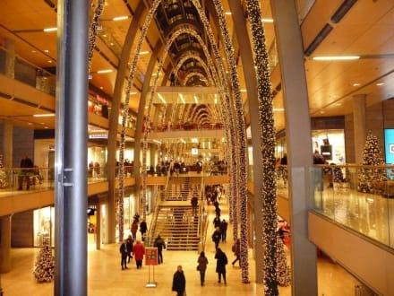 Shoppen in Hamburg zu Weihnachtszeit! - Europa Passage