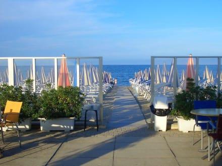 Bagno 309 bild hotel ausonia in milano marittima adria for Bagno holiday milano marittima