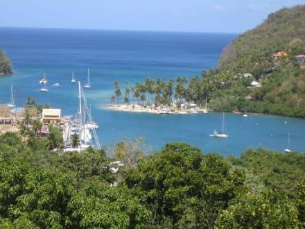 Weg zur Marigot Bay - Marigot Bay