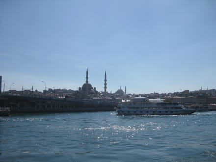 Blick auf Eminönü - Bosporus Fahrt