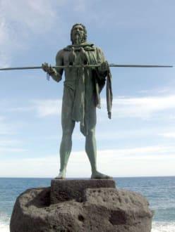 Guanchen Statuen. Anaterve - Statuen der Guanchenkönige