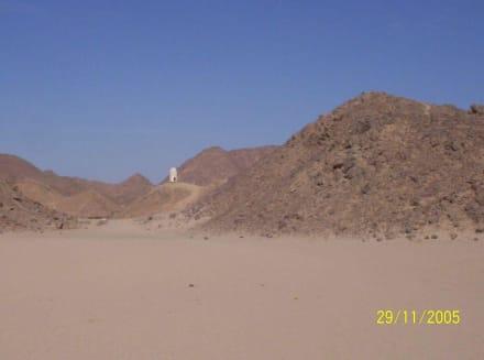 Ein Taubenschlag mitten in der Wüste? - Jeep Safari Hurghada
