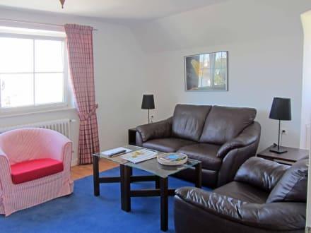 Das Wohnzimmer in der Enziansuite - Kneipp- und WellVitalhotel Edelweiss