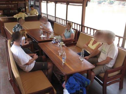 Entspannte Plauderei - Luang Say Cruise
