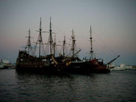Yachthafen mit den 3 Piratenschiffen - Yachthafen Hammamet Yasmine