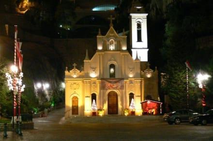 Kleine Kirche mit Krippe nach dem Casino - Kirche Sainte-Dévote