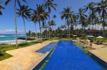 Infinity Swimming Pool -