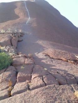 Der Aufstieg - Ayers Rock / Uluru