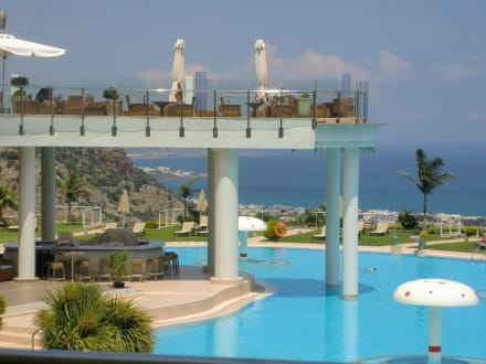 Bar/Terrasse - Hotel Royal Heights Resort