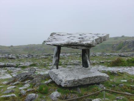 Poulnabbrone-Dolmen - Burren
