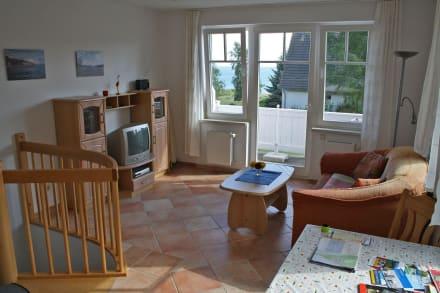wohnzimmer mit offener k che bild villa am sonnenhang in g hren auf r gen mecklenburg. Black Bedroom Furniture Sets. Home Design Ideas