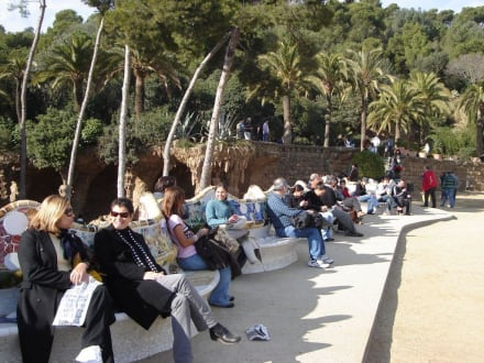 Wellenförmige Bank - Park Güell
