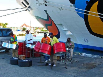Karibik & Musik - Hafen St. John's