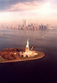 New York vom Heli - Liberty Island