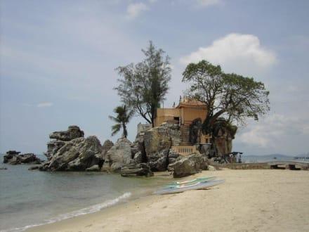 kleiner Felsentempel bei Duong Dong auf Phu Quoc - Strand Phu Quoc