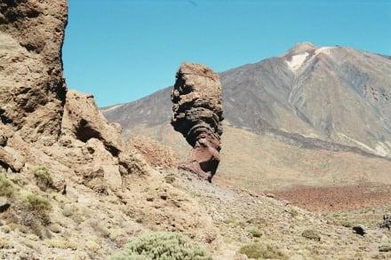 Der Roque Chinchado vor dem Teide - Teide Nationalpark