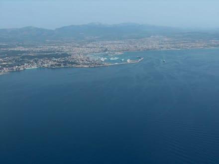 Anflug auf Palma de Mallorca - Hafen Palma de Mallorca