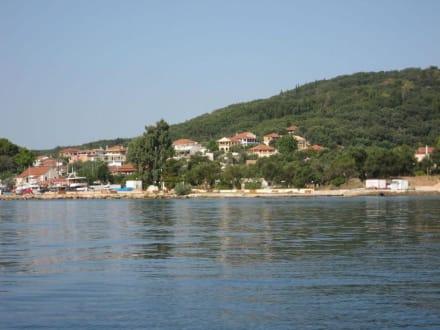 Fahrt entlag der Küste Korfus - Bootstour Costa's Moraitika