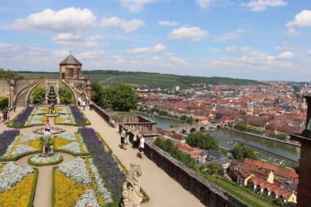 Marienfestung w rzburg bild altstadt w rzburg in w rzburg for Hotel wurzburg zentrum
